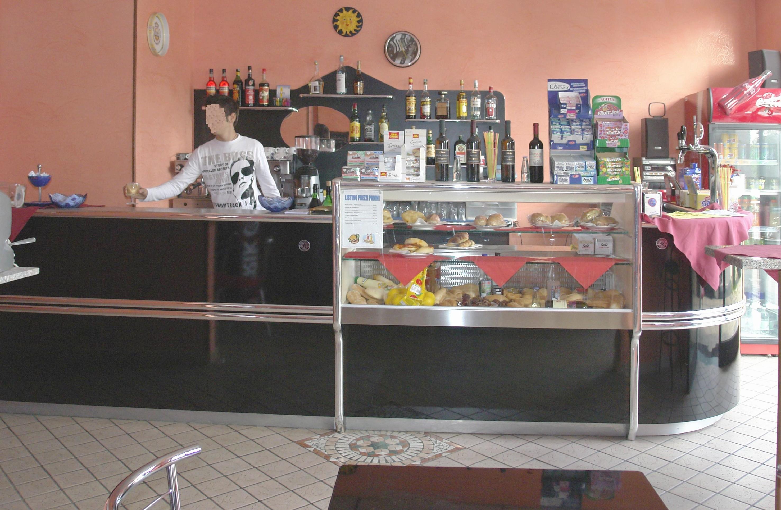 Banconi bar milano compra in fabbrica banchi bar for Banconi bar milano